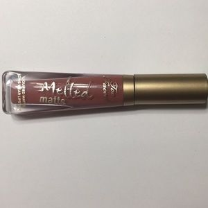Too Faced Melted Matte Lipstick in Sell Out